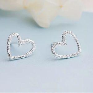 100% 925 String Silver Heart Shaped Earrings